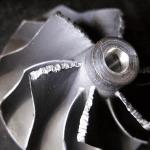 A turbófeltöltő lapátjainak mechanikai sérülése - A lapátok mechanikai sérülése nagyméretű idegen szilárdtesttel való összeütközés következtében.